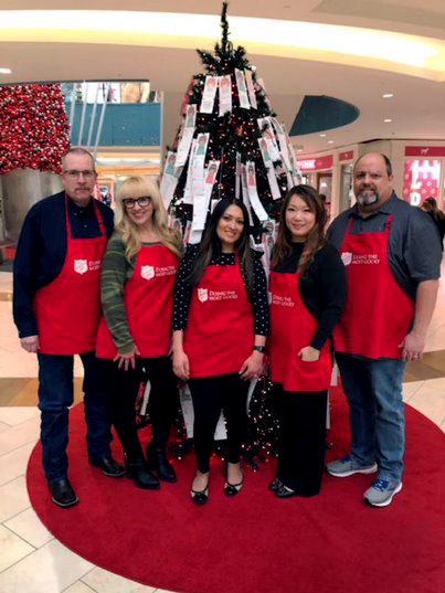 Our Dallas office helps the Red Cross gather donations during the Week of Giving